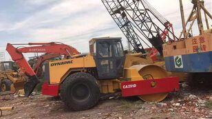 DYNAPAC CA251D compactador de tierra